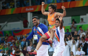 2016 Rio Olympics - Wrestling - Final - Women's Freestyle 58 kg Bronze - Carioca Arena 2 - Rio de Janeiro, Brazil - 17/08/2016. Sakshi Malik (IND) of India celebrates with her team members after winning the bronze medal. REUTERS/Toru Hanai FOR EDITORIAL USE ONLY. NOT FOR SALE FOR MARKETING OR ADVERTISING CAMPAIGNS.
